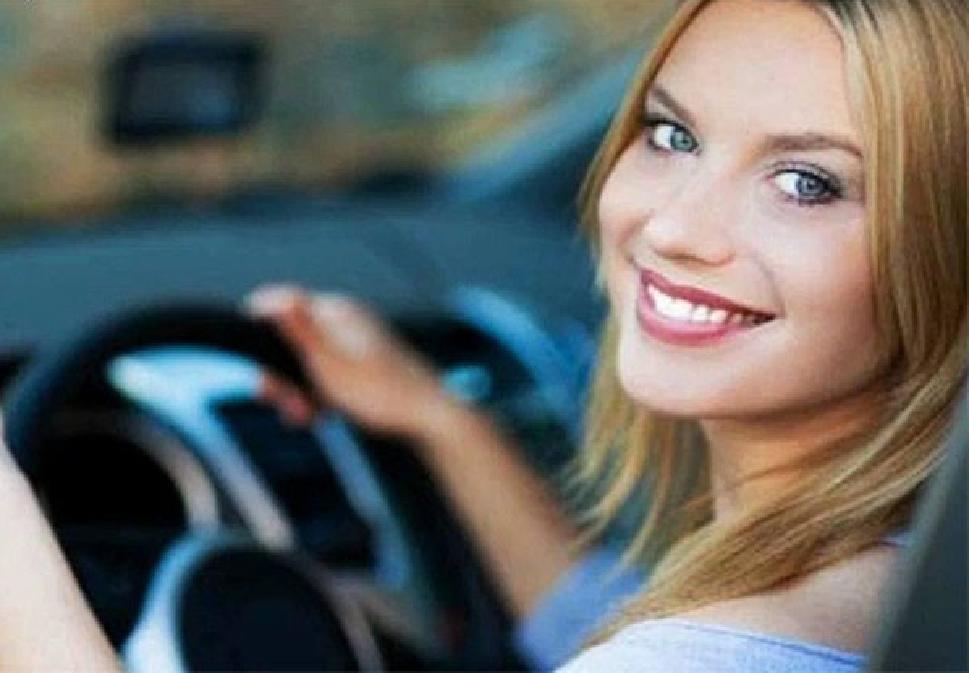 Уроки вождения с автоинструктором: мужчина или женщина?